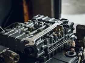 Głowica silnika spalinowego diesla